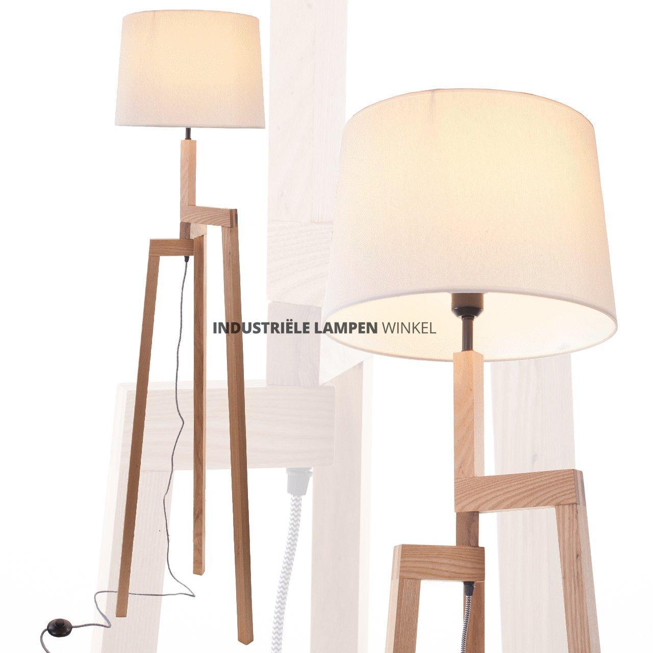 Zeer Houten vloerlamp met drie poten en kap #UF52